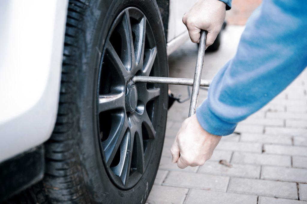 Reifenwechsel mit Drehkreuz